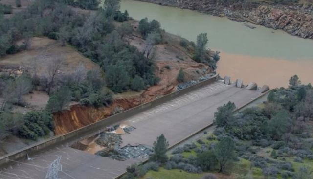 Oroville Dam Threatens To Collapse | Peak Prosperity